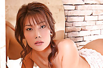 Patry Hui shaving her pussy in bathroom and posing nude